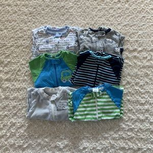 Gerber bundle of 6 footed pajamas/sleep/play